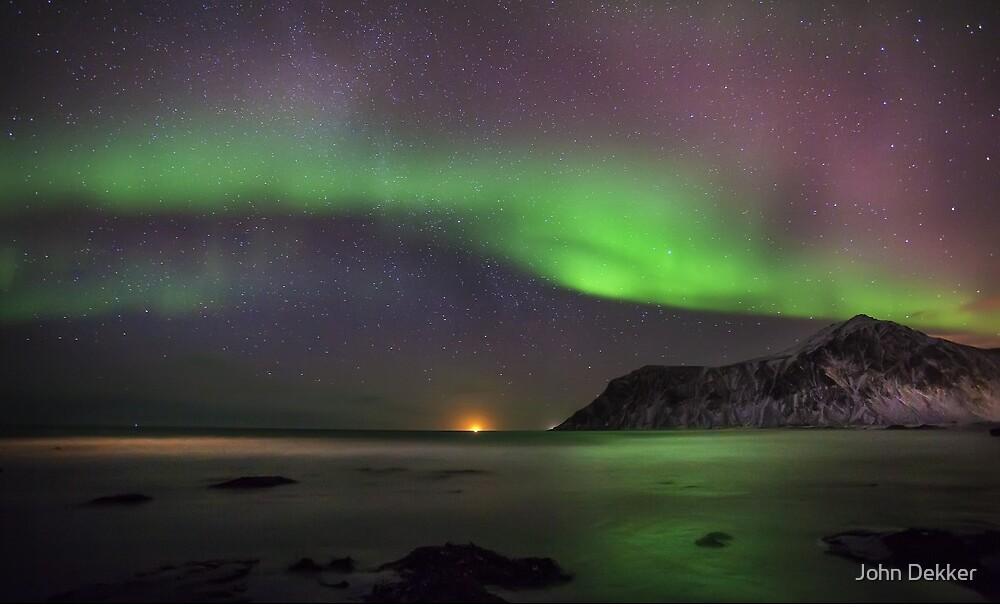 Northern Lights by John Dekker
