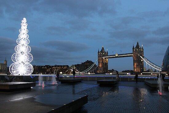Tower Bridge @ Christmas by Marie Breton