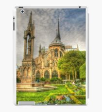 Notre Dame ..Garden Fountain view .. HDR iPad Case/Skin