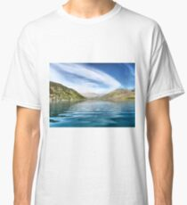 Wanaka Blue ( 6 ) Making Ripples on a Reflecting Sky Classic T-Shirt