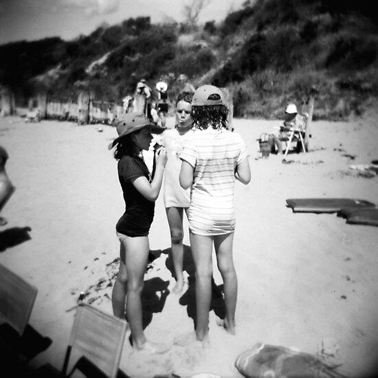 Beach babes by KerrieMcSnap