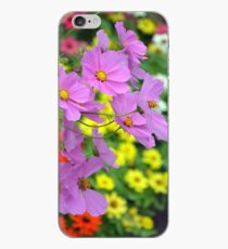 Pink cosmos flowers iPhone-Hülle & Cover