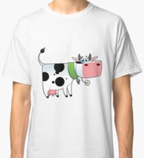 cow animal farm for kid Classic T-Shirt