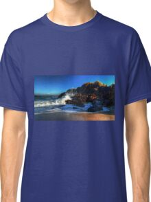 Waves on the rocks Classic T-Shirt