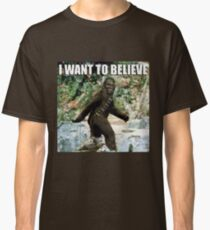 Chewy in the woods Classic T-Shirt