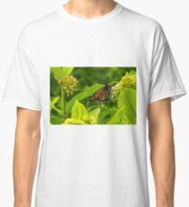 Beautiful Bright Monarch Butterfly Flower Classic T-Shirt
