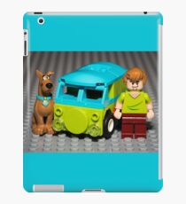 Scooby, Shaggy and the Machine iPad Case/Skin