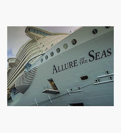 Allure of the Seas  Photographic Print