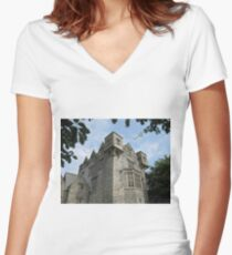 Donegal Castle. Women's Fitted V-Neck T-Shirt