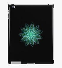 Fractal Flower - Green . iPad Case/Skin