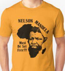 NELSON MANDELA MUST BE SET FREE! Unisex T-Shirt