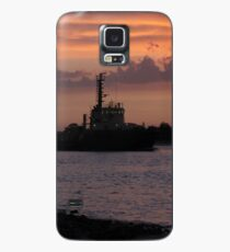 Tugging Along At Sunset Case/Skin for Samsung Galaxy