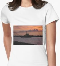 Tugging Along At Sunset Women's Fitted T-Shirt