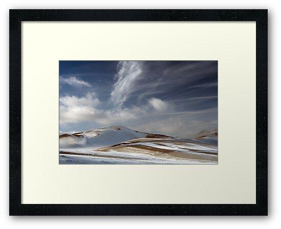 White brush strokes by Pietro Bevilacqua