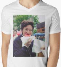 Araki eating a donut Men's V-Neck T-Shirt