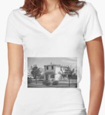 Route 66 - Wayside Motel Women's Fitted V-Neck T-Shirt