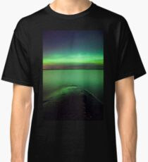 Northern lights glow over lake Classic T-Shirt