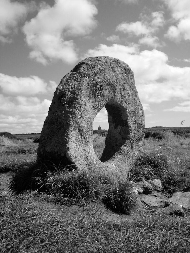 Mên-an-Tol, Cornwall by Barnaby Edwards