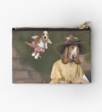 Valentines day in the park. Studio Pouch