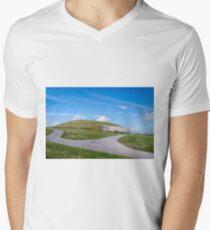 Newgrange , Co Meath. V-Neck T-Shirt