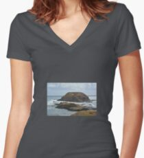 ROCK FORMATIONS  Women's Fitted V-Neck T-Shirt