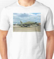 TF-100F Super Sabre 56-3927/GT927 T-Shirt