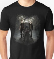 Bloodborne / Supernatural - Hunters T-Shirt
