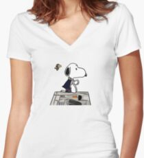Snoopy Han Solo Women's Fitted V-Neck T-Shirt