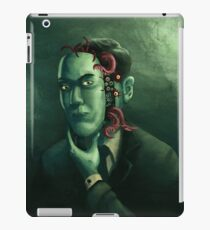 H.P. Lovecraft (w/background) iPad Case/Skin