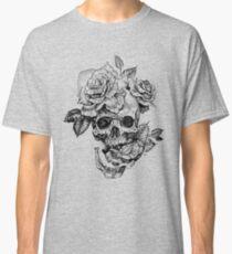 Camiseta clásica Cráneo y rosas