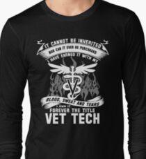 Funny Veterinary T Shirts vet techs vet tech institute vet tech vet te Long Sleeve T-Shirt