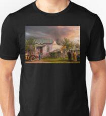 Fireman - Terry Montana - Volunteer firefighters 1939 T-Shirt