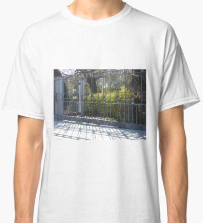 Das Tempeltor Classic T-Shirt