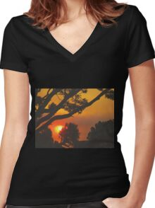 HEAT Women's Fitted V-Neck T-Shirt