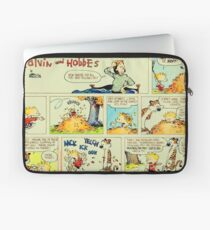 calvin and hobbes comic vintage Laptop Sleeve