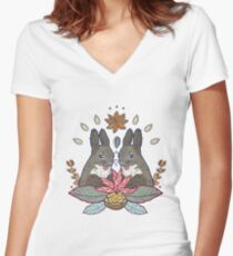 squirrel love Women's Fitted V-Neck T-Shirt