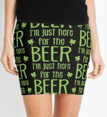 Ich bin nur hier für das Bier! lustiger Kleeblatt ST PATRICKs Tagesentwurf Minirock