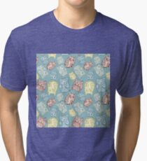 Contour funny owls seamless pattern. Ink splashes owl. Cute animal. Tri-blend T-Shirt