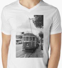 San Francisco Trolley Car Men's V-Neck T-Shirt