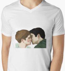 Scisaac Kiss Men's V-Neck T-Shirt