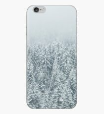Waldschnee Tannenbäume iPhone-Hülle & Cover