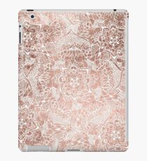 Modern faux rose gold floral mandala hand drawn iPad Case/Skin