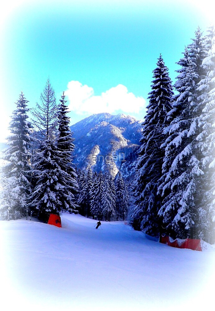 Skiing in Oberammergau by ©The Creative  Minds