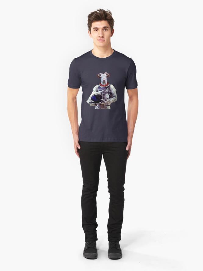 Alternative Ansicht von Ziege Astronaut im Weltraum Slim Fit T-Shirt