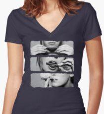 Girls love blunts Women's Fitted V-Neck T-Shirt
