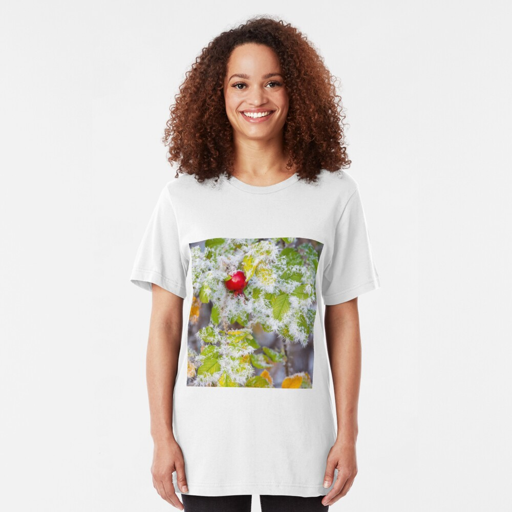 Rose hip and frozen leaves Slim Fit T-Shirt