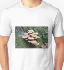 Goblin High Rise - Pholiota squarrosa  T-Shirt