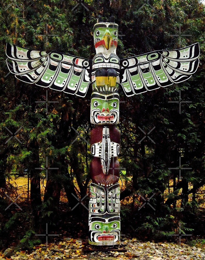 Totem Pole on the grounds of the Governor General's Residence by Shulie1