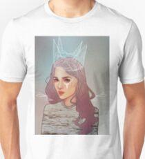 QUEEN II Unisex T-Shirt