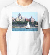 New York - Sailboat Against Manhattan Skyline T-Shirt